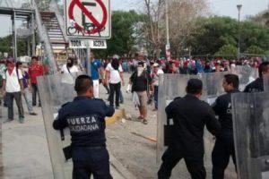 Represión a maestros en Chiapas (Foto: Pedro Echeverría), mayo 2016.
